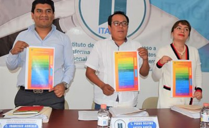Revoca el ITAIGro acuerdo emitido por el comité de transparencia de la UAGro, que clasificó información como reservada, no obstante que la ley de la materia la considera como pública